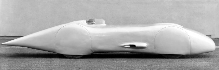 Optimized in the wind tunnel: Mercedes-Benz W 125 record car with twelve-cylinder engine, 1938.
