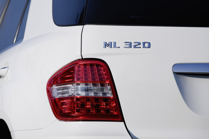 Mercedes-Benz M-Class, ML 320 BlueTEC, exterior, detail
