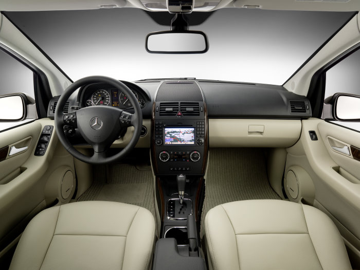 The new generation A-Class: Mercedes-Benz A 200, interior