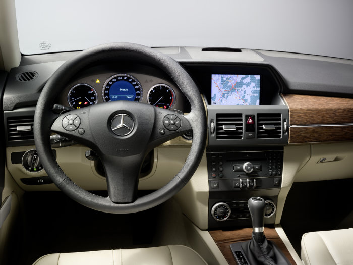 Mercedes-Benz GLK-Class, GLK 320 CDI 4MATIC with off-road styling package and off-road engineering package
