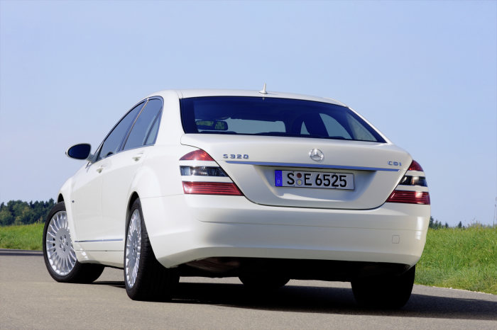 Mercedes-Benz S 320 CDI BlueEFFICIENCY: The most frugal S-Class ever