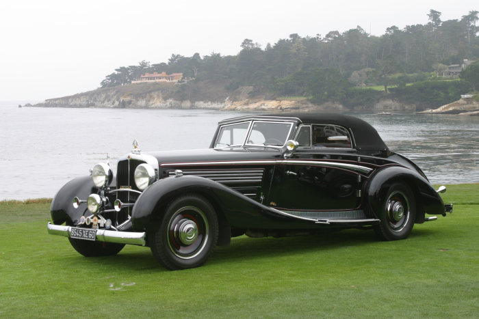 Vom Bodensee nach Kalifornien: Maybach Zeppelin im Jahre 2002 in Pebble Beach.
