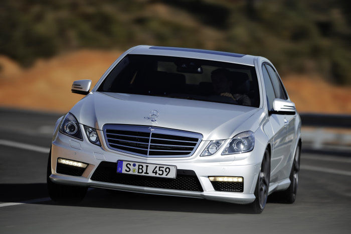 Mercedes-Benz E-Class: E 63 AMG with 386 kW/525 hp and AMG SPEEDSHIFT MCT 7-speed sports transmission