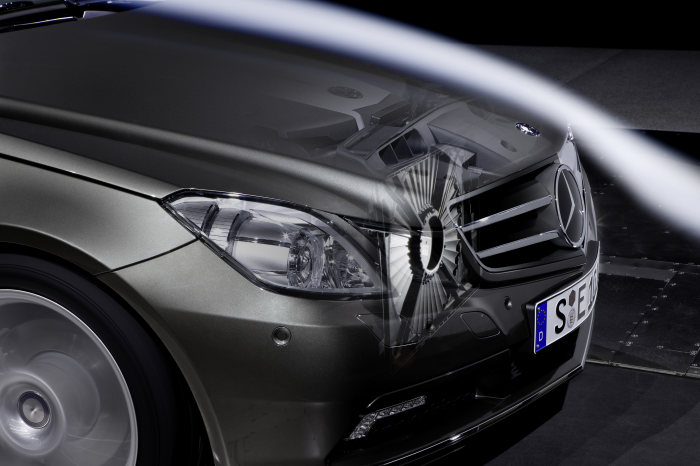 Mercedes-Benz E-Class Coupé BlueEFFICIENCY: The most aerodynamic variant of the Coupés achieves a new best in terms of drag coefficient: with a Cd-figure of just 0.24, this model is the world's most aerodynamically efficient series-production car.