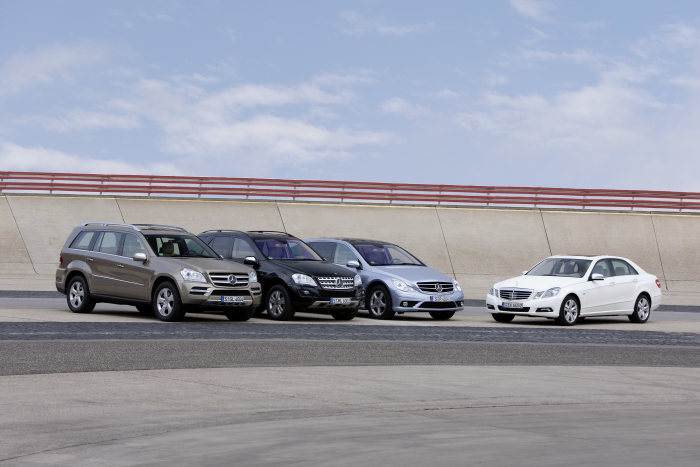 Mercedes-Benz 2009 SUV campaign: BlueTEC models with the E 350 BlueTEC HYBRID