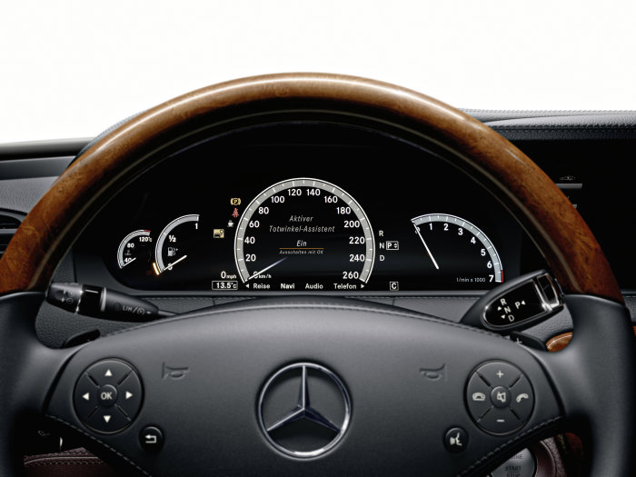 Mercedes-Benz CL-Class 2010 model year: If the driver ignores the warning, the brakes are then activated to correct the course - a fi rst. A warning is also displayed in the instrument cluster at the same time.