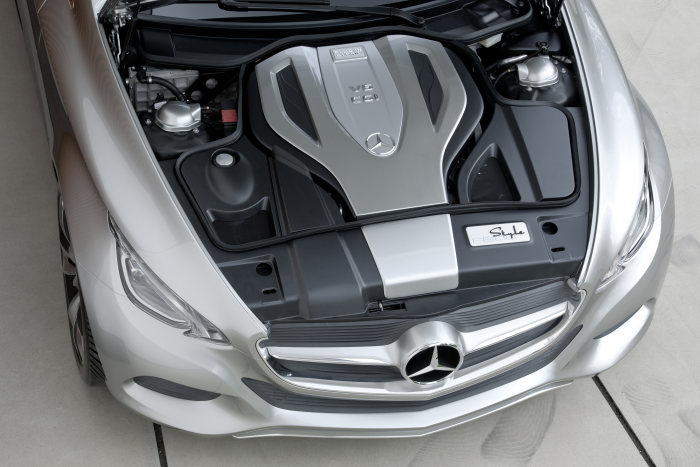 Research vehicle Mercedes-Benz F 800 Style, introduced at the Geneva Motor Show in February 2010. The hybrid module of the F 800 Style Plug-in HYBRID is integrated into the automatic transmission
