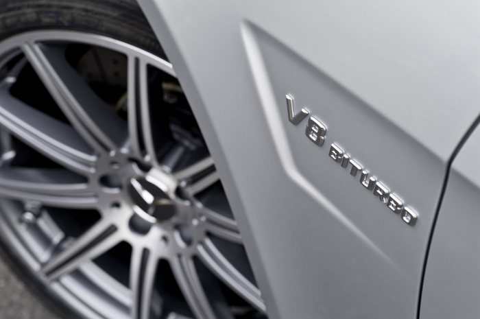 Mercedes-Benz E-Class: E 63 AMG with new AMG 5.5-litre V8 biturbo engine, detail