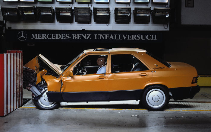 Mercedes-Benz W 201 model series, crash test