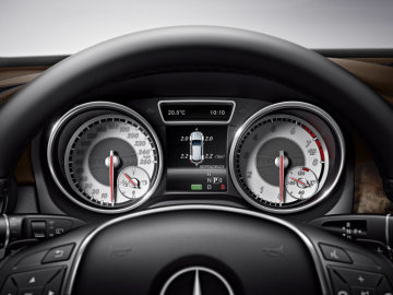 GLA safety, Tyre pressure loss warning system