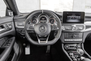 Mercedes-Benz CLS 63 AMG Shooting Brake, Model year 2014, interior