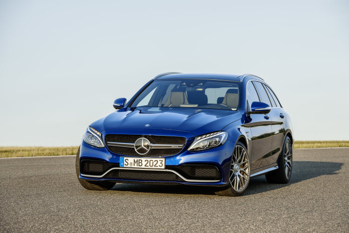 Mercedes-AMG C 63 S, estate, exterior: brilliant blue metallic; AMG Night package, AMG high-performance ceramic composite braking system, heat-insulating dark-tinted glass