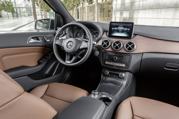 B 220 CDI 4MATIC (W 246), mountaingrau magno, Urban Line, Interieur
