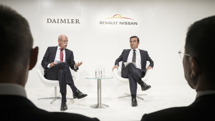 Daimler and Renault-Nissan Press Briefing 2015, Frankfurt: (from left to right) Dr. Dieter Zetsche, Chairman of the Board of Management of Daimler AG and Head of Mercedes-Benz Cars, and Carlos Ghosn, Chairman of the Board and CEO of the Renault-Nissan Alliance