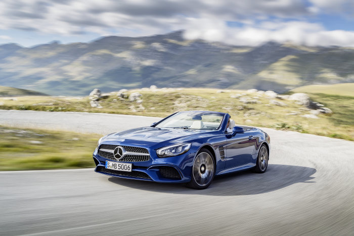 Mercedes-Benz SL 500, brilliant blue with AMG Line