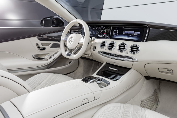 Mercedes-AMG S 65 Cabriolet, interior: leather porcelaine