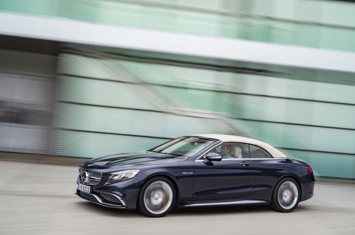 Mercedes-AMG S 65 Cabriolet, exterior: anthracite blue, fabric soft top beige