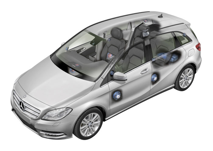 Mercedes-Benz B-Class: Mercedes-Benz developed the Logic7 surround sound system together with the audio specialist harman/kardon®. This high-end system delivers threedimensional sound.