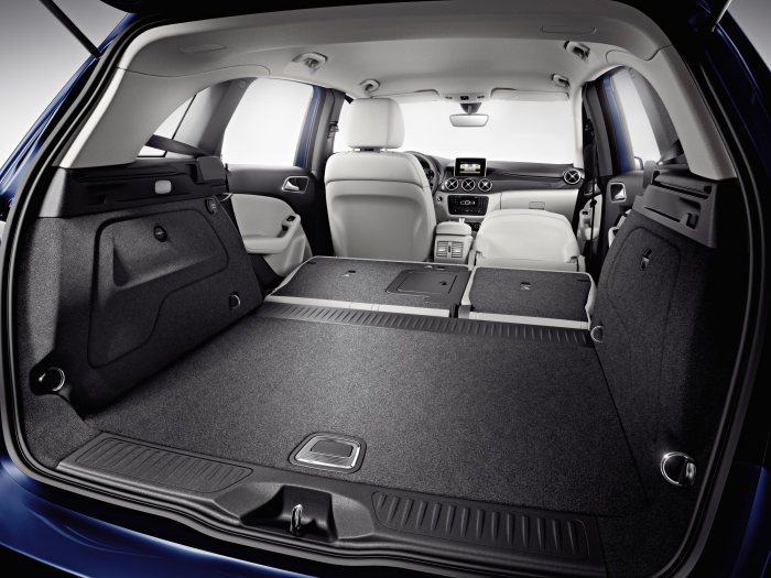 Mercedes-Benz B-Class: The B-Class is optionally available with the so-called EASYVARIO- PLUS system. This enables simple reorganisation of the interior so as to enable the transportation of bulky items.