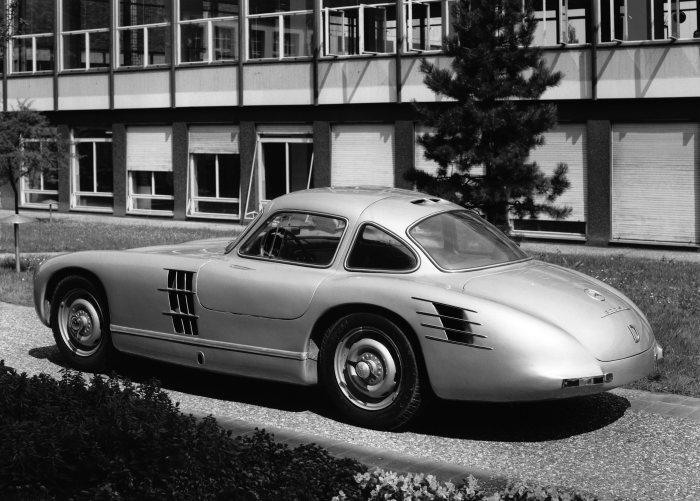 Mercedes-Benz 300 SL (W 194 series) with chassis number W 194 011. Racing prototype developed for the 1953 racing season. However, this prototype never raced.
