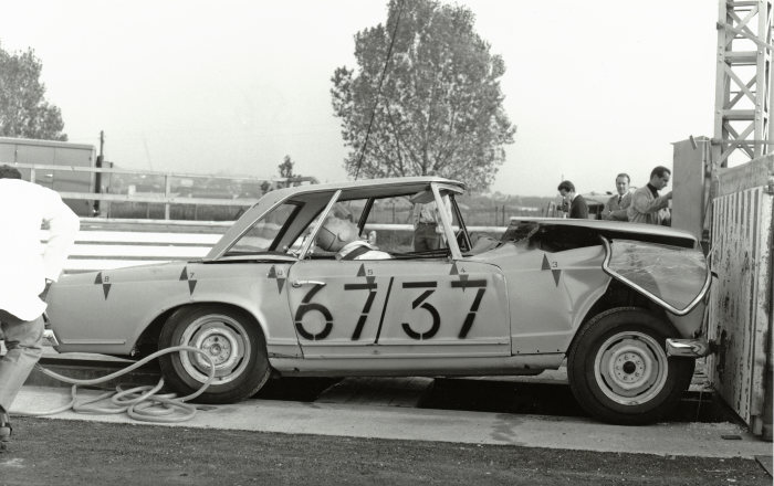 Mercedes-Benz SL, W 113 series (1963 to 1971), the first sports car in the world with a safety body. Crash test.
