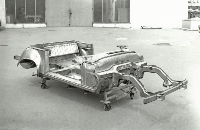 Mercedes-Benz SL, W 113 series (1963 to 1971), the first sports car in the world with a safety body. Floor assembly.