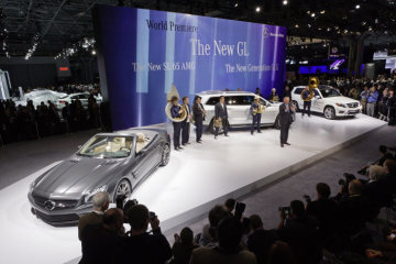 Dr. Joachim Schmidt, Executive Vice President Mercedes-Benz Cars Sales & Marketing, at the Mercedes-Benz press conference in New York with the three world premieres of the SL 65AMG, the new generation GLK and the all new GL-Class.