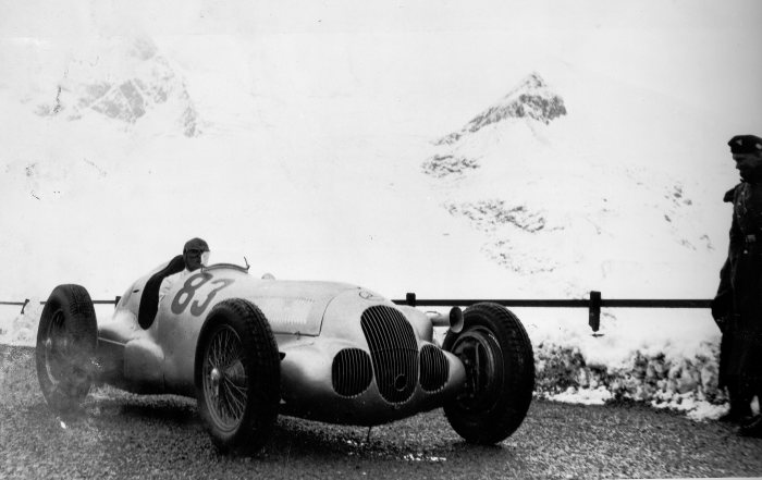 Training for the Großglockner mountain race on 28 August 1938. Hermann Lang in a Mercedes-Benz W 125 with additional slide carburettor, starting number 83. In the race the starting number 83 was borne by the winning Auto Union car driven by Hans Stuck. Hermann Lang, with the starting number 82, finished second.