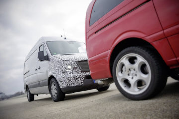 Collision Prevention Assist: Warns of impending collisions