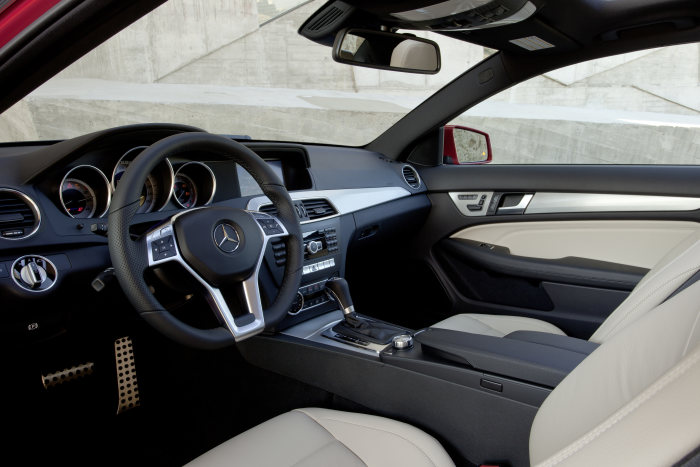 Mercedes-Benz C-Class Coupé, C 350, interior