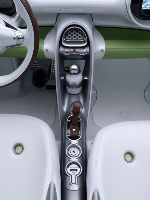 The exterior and interior of the smart forspeed are designed as a formal unit.