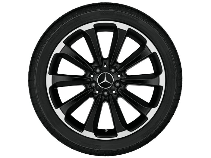 Mercedes-Benz light alloy wheels: 10-spoke wheel, 48.3 cm (19 inch) for the C-Class