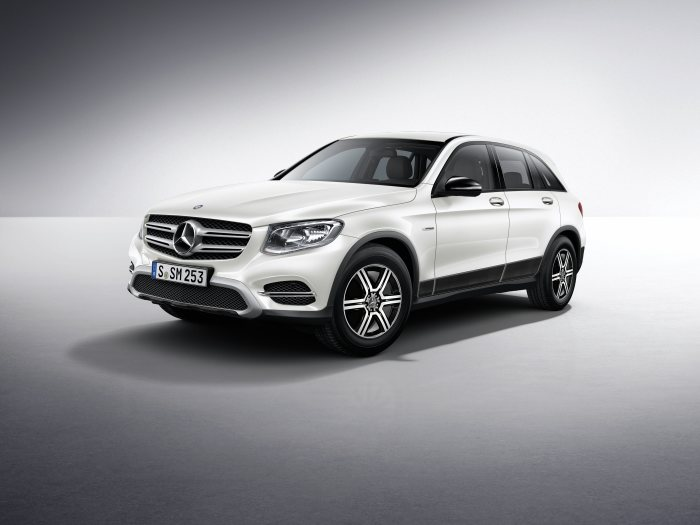 Mercedes-Benz light alloy wheels on the GLC-Class: 6-spoke wheel, 48.3 cm (19 inch)