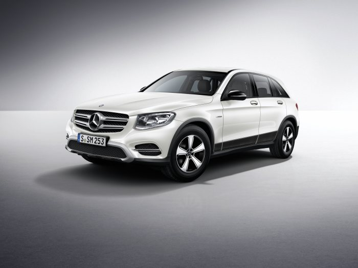 Mercedes-Benz light alloy wheels on the GLC-Class: 5-spoke wheel, 50.8 cm (20 inch)