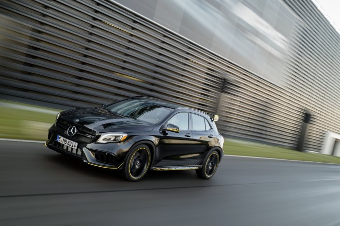 Mercedes-AMG GLA 45 4MATIC Yellow Night Edition, cosmos black, driving shot