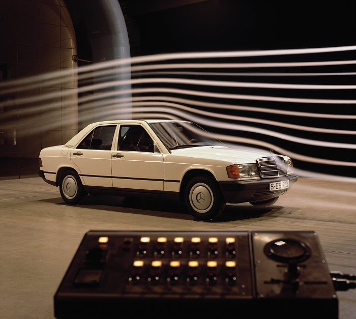 Mercedes-Benz compact class Saloon from the W 201 series in the wind tunnel, 1983.