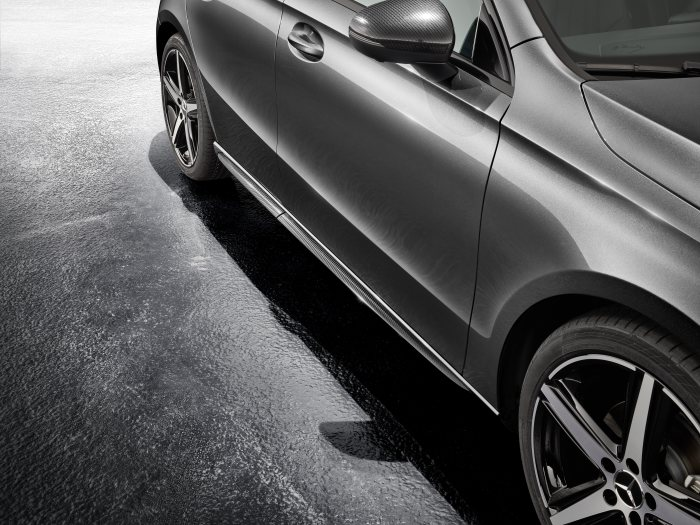 Mercedes-Benz Sport Equipment for A-Class: Exterior mirror cover in Carbon-Style & Side skirts in Carbon Style