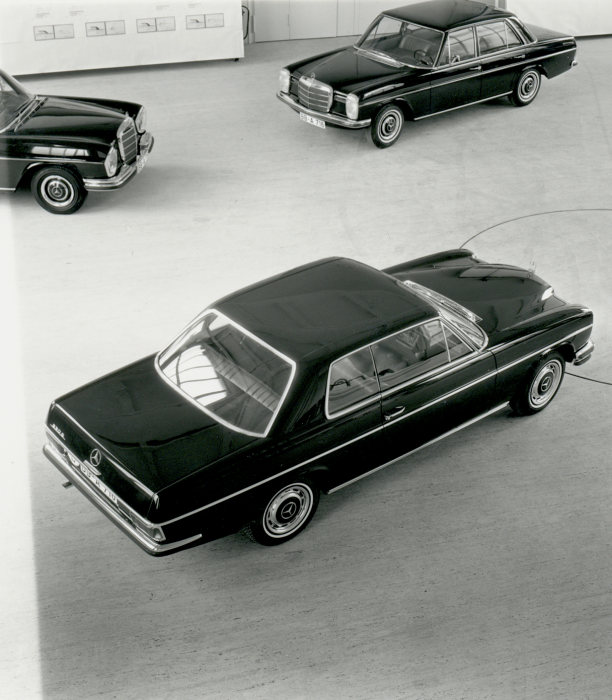 Presentation of a design draft for Mercedes-Benz coupés of the upper mid-range series in the mid-1960s.