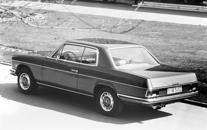 Mercedes-Benz 280 CE of the 114 model series, view from left rear, photo from 1971.