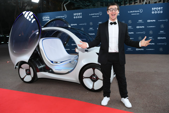 Julius Dein in front of the smart vision EQ fortwo. GES/ Sport: Laureus World Sports Awards 2019, February 18, 2019.