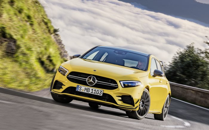 D529658 The new Mercedes-AMG A 35 4MATIC: New entry-level model opens up the world of driving performance