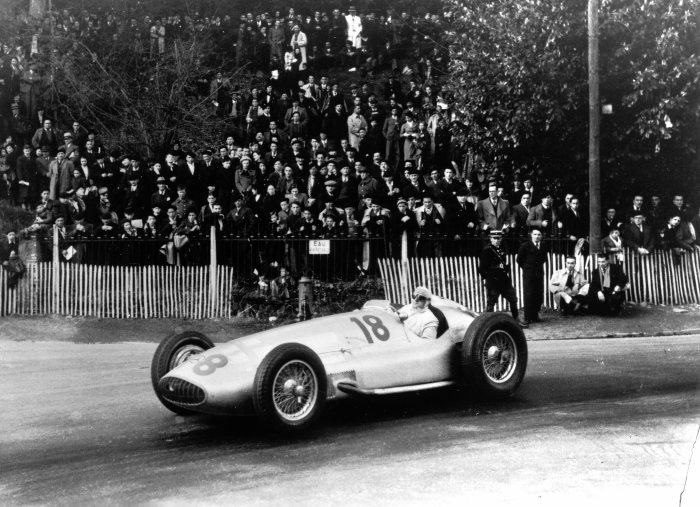 One-two finish at the Grand Prix of Pau, 8 April 1939. Winner Hermann Lang in the Mercedes-Benz 3-litre Formula racing car (W 154). Manfred von Brauchitsch takes second place.