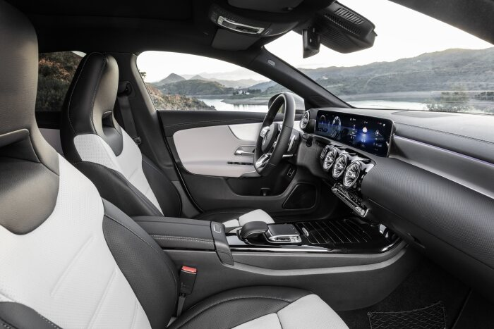 Mercedes-Benz CLA Shooting Brake, X118, 2019, AMG-Line, Interieur, digitalweiß