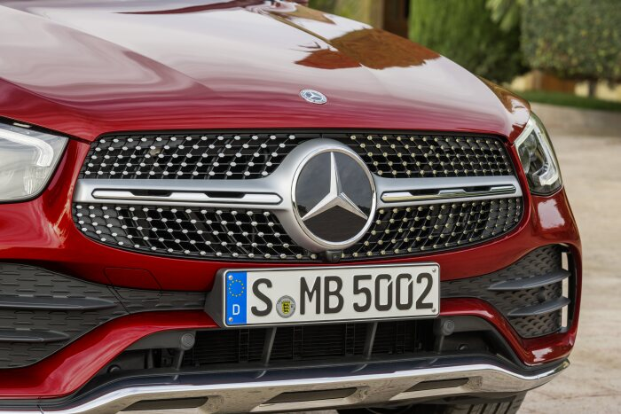 Mercedes-Benz GLC Coupé (C253), AMG Line, 2019, designo hyacinth red metallic, designo leather platinum white pearl / black