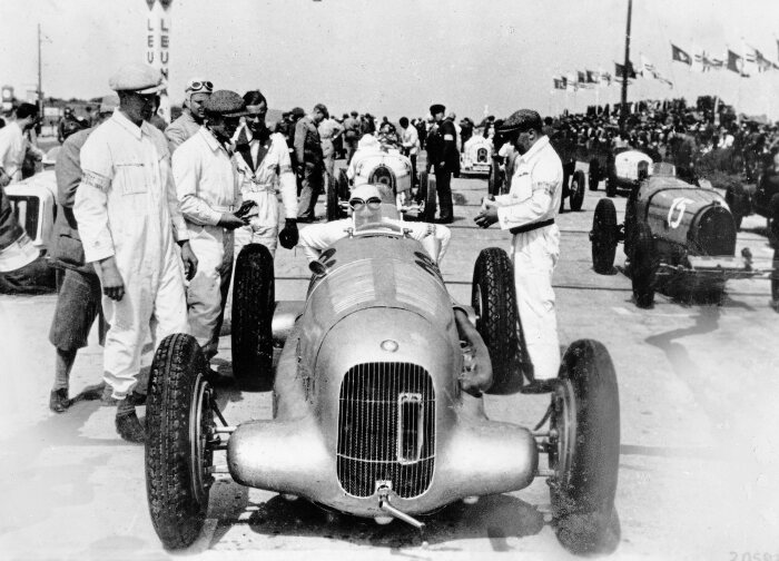Start of the International Eifel Race at the Nürburgring, 3 June 1934. Manfred von Brauchitsch won the race in a Mercedes-Benz W 25 racing car weighing just 750 kilograms, used for the first time in a race.