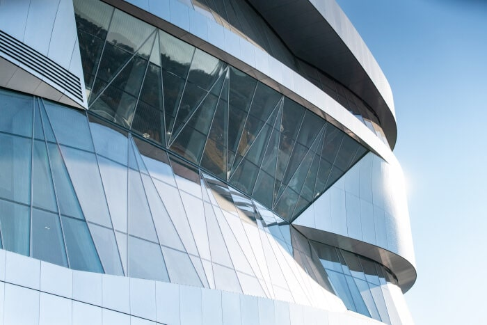 Mercedes-Benz Museum, Stuttgart. Exterior view with a section of the façade.