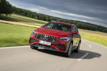 Mercedes-AMG GLA 35 4MATIC designo patagonia red metallic