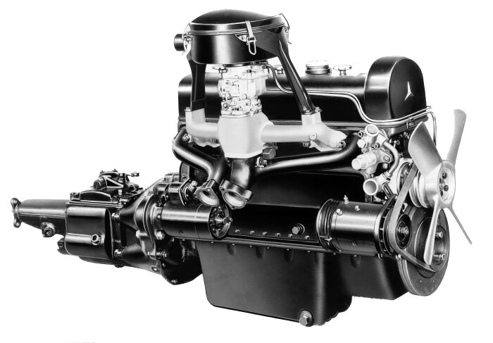 First newly developed engine of Mercedes-Benz after World War II: M 180 engine for the 220 (W 187).