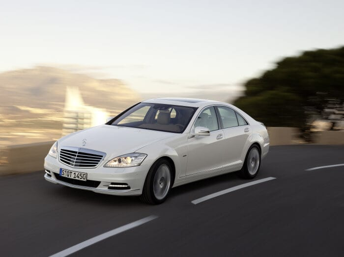 D191001 The epitome of the automobile: the Mercedes-Benz S-Class