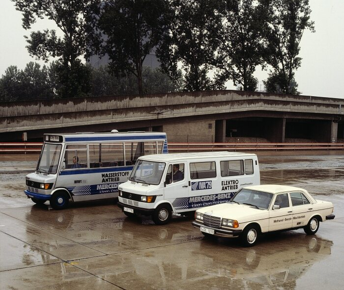 Mercedes-Benz 307 E prototype vehicle with an electric drive system on the basis of the TN van model series, also known as the T 1 (centre). Photo taken on the test track of the Mercedes-Benz plant in Untertürkheim in 1979 with other vehicles while testing alternative drive systems. On the left, a Mercedes-Benz urban bus with a hydrogen drive; on the right, a saloon of model series 123 with a methanol drive.